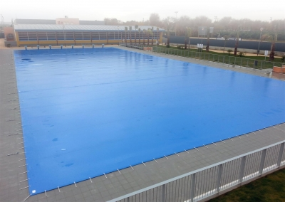 Technical solar fabrics to cover and protect pools
